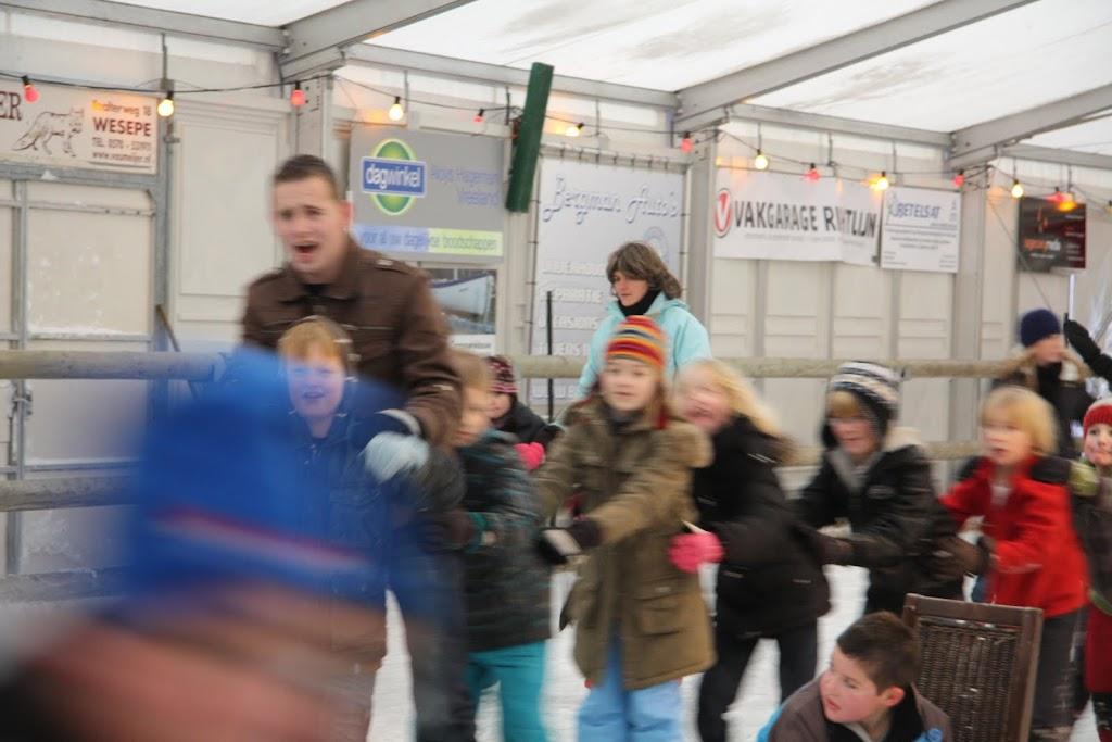 Sinterklaas bij de schaatsbaan - IMG_0358.JPG