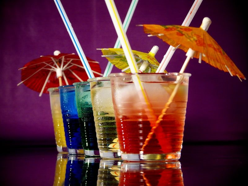 drinks with straws