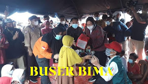 Mensos RI,Bersama Kapolda NTB Dan Danrem 162 / WB Memberikan Bantuan Korban Banjir Di Bima