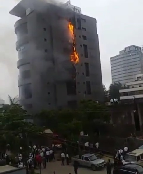 Big Tension, Fire Engulfs Unity Bank's Head office in Lagos
