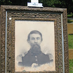 Picture - uniform Robert Harvey Gleaves