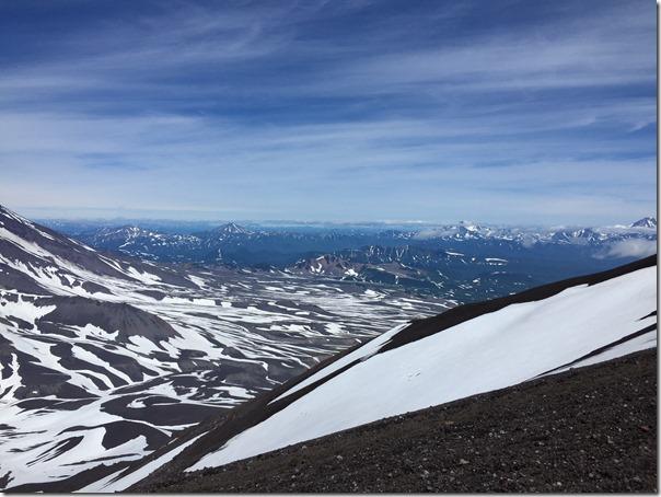 Avatchinski vue volcans du flanc de IMG_3708