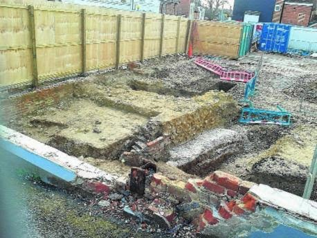 UK: Developers destroy 2,000-year-old Roman wall