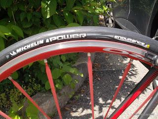 pneu-michelin-power-2460.JPG