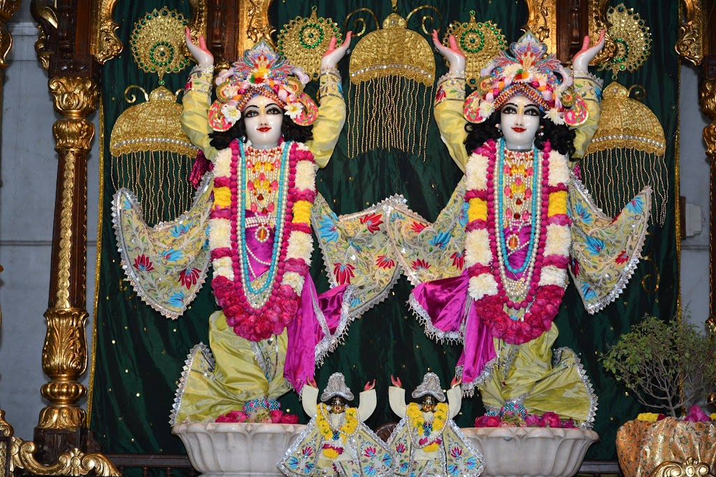 ISKCON Ujjain Deity Darshan 14 Dec 2015 (2)
