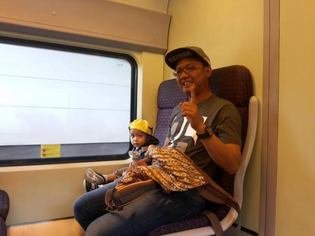 Jalan-jalan Menaiki Train KLIA TRANSIT | Putrajaya - KLIA2 - MITSUI OUTLET SEPANG