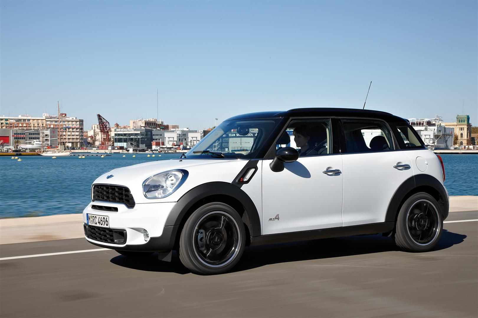 THE LATEST LAUNCH OF SOUTH AFRICAN MINI COOPER THIS YEAR 2019 3