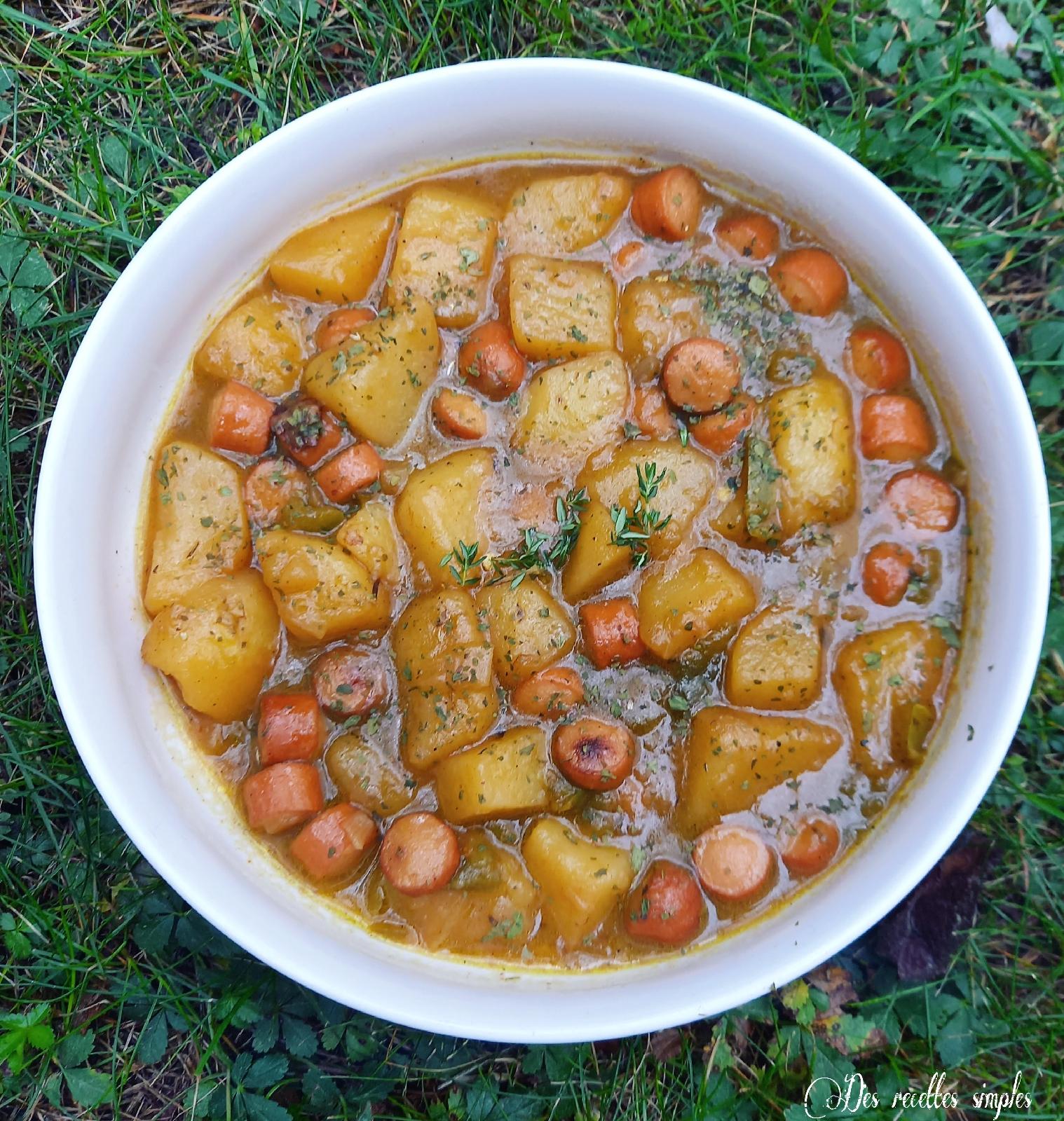 Pommes de terre au poivron et aux saucisses