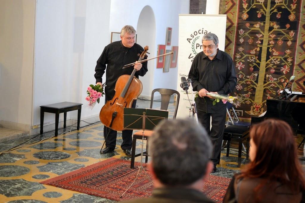 Violoncelistul Dan Cavassi - (241)
