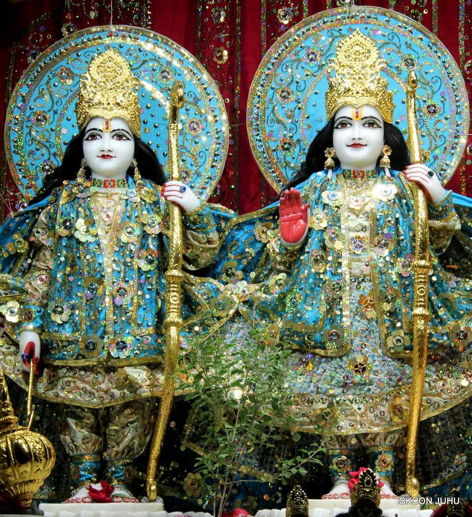 ISKCON Juhu Mangal Deity Darshan 11 Jan 2016  (5)
