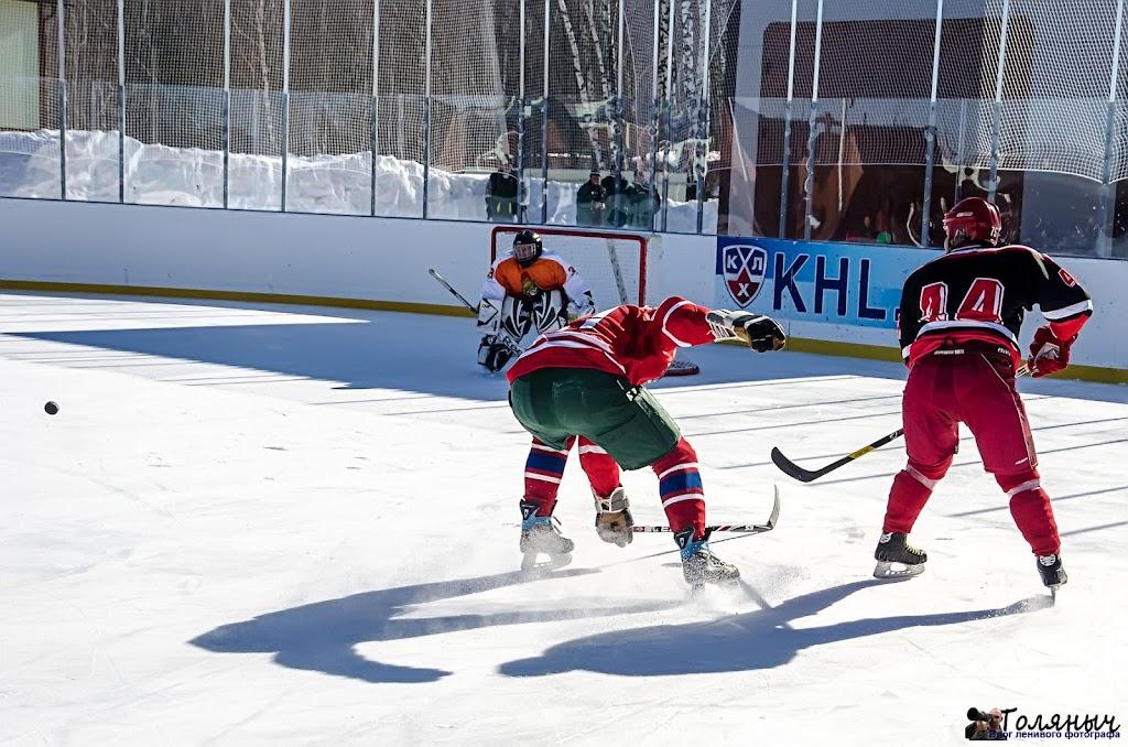 Козельск-Тула. Третий тайм. В итоге Козельск накидал тулякам 11 шайб, получив в свои ворота только 3 ответные.