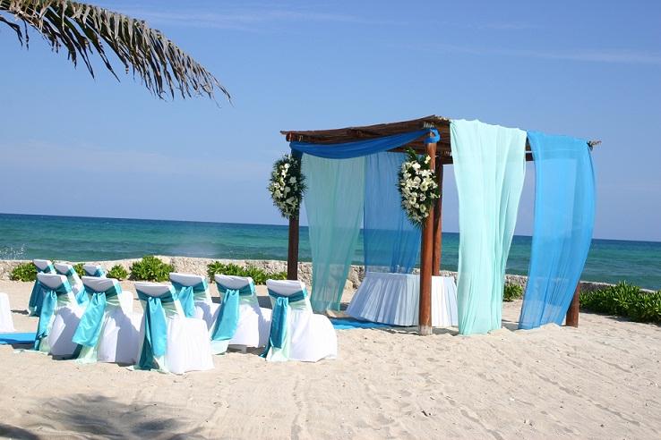 El Dorado Royale by Karisma - Beachfront%2BWedding.JPG