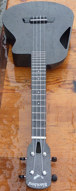 Wet Blackbird carbon fibre tenor at Lardy's Ukulele Database