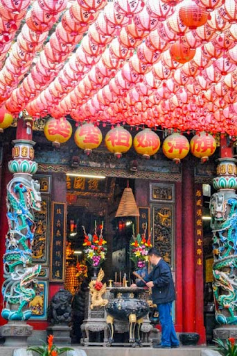 Offering at a temple. Don't EAT IT! From 9 Cultural Faux Pas to Avoid in Taiwan
