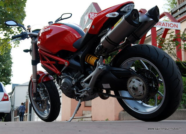 occasion ducati monster 1100 abs 2010 rouge. Black Bedroom Furniture Sets. Home Design Ideas