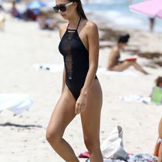sandra-kubicka-bikini-14.jpg