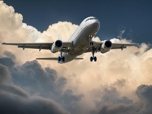 Domestic Air ticket relaxed | ಲಗ್ಗೇಜ್ ರಹಿತರಿಗೆ ವಿಮಾನ ಯಾನ ಅಗ್ಗ: ದೇಶೀ ಪ್ರಯಾಣಿಕರಿಗೆ ಶುಭಸುದ್ದಿ