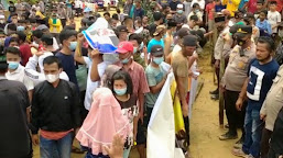 Massa Tutup Jalan Tambang Batu Bara, Minta Izin PT. KBPC Dicabut