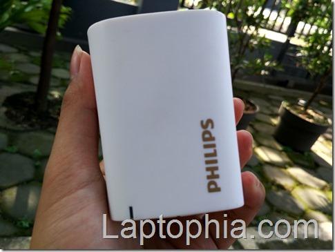 Hands On Philips BT 100 Wireless Speaker