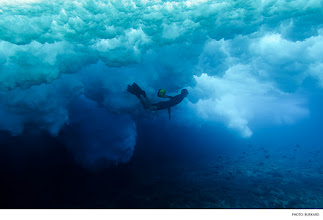Photo: Tahiti. Photo: Burkard #surferphotos  #waterphotography
