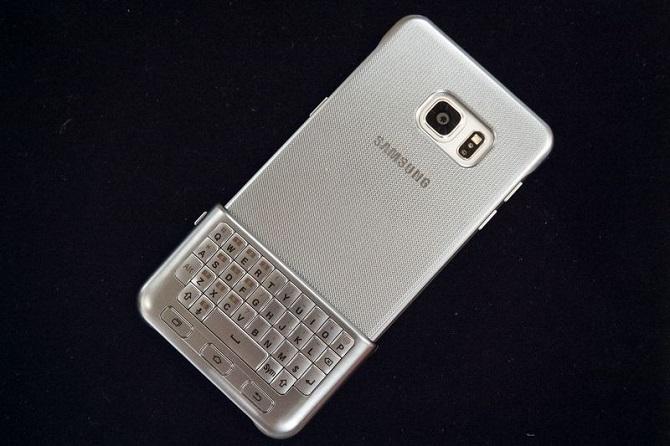 Bộ bàn phím vật lý đắt tiền của Samsung là một minh chứng khác cho thấy không phải ai cũng có thể trở thành BlackBerry.