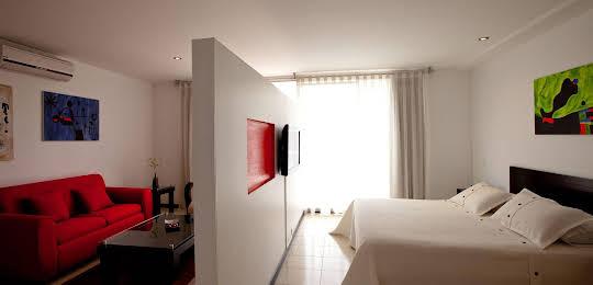 Travelers Orange Suites