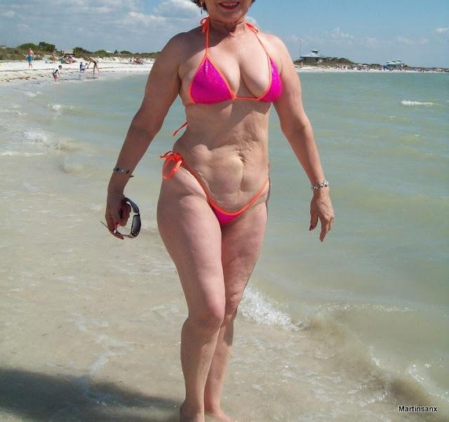 En La Playa Mi Mam Y Su Tanguita
