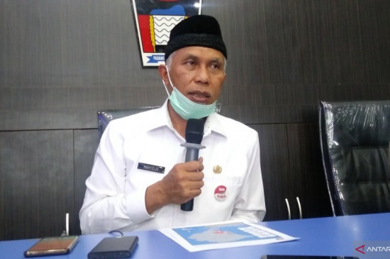 Bantu Penanganan Wabah Covid-19, Wali Kota Padang Mahyeldi Sumbangkan Gaji Enam Bulan