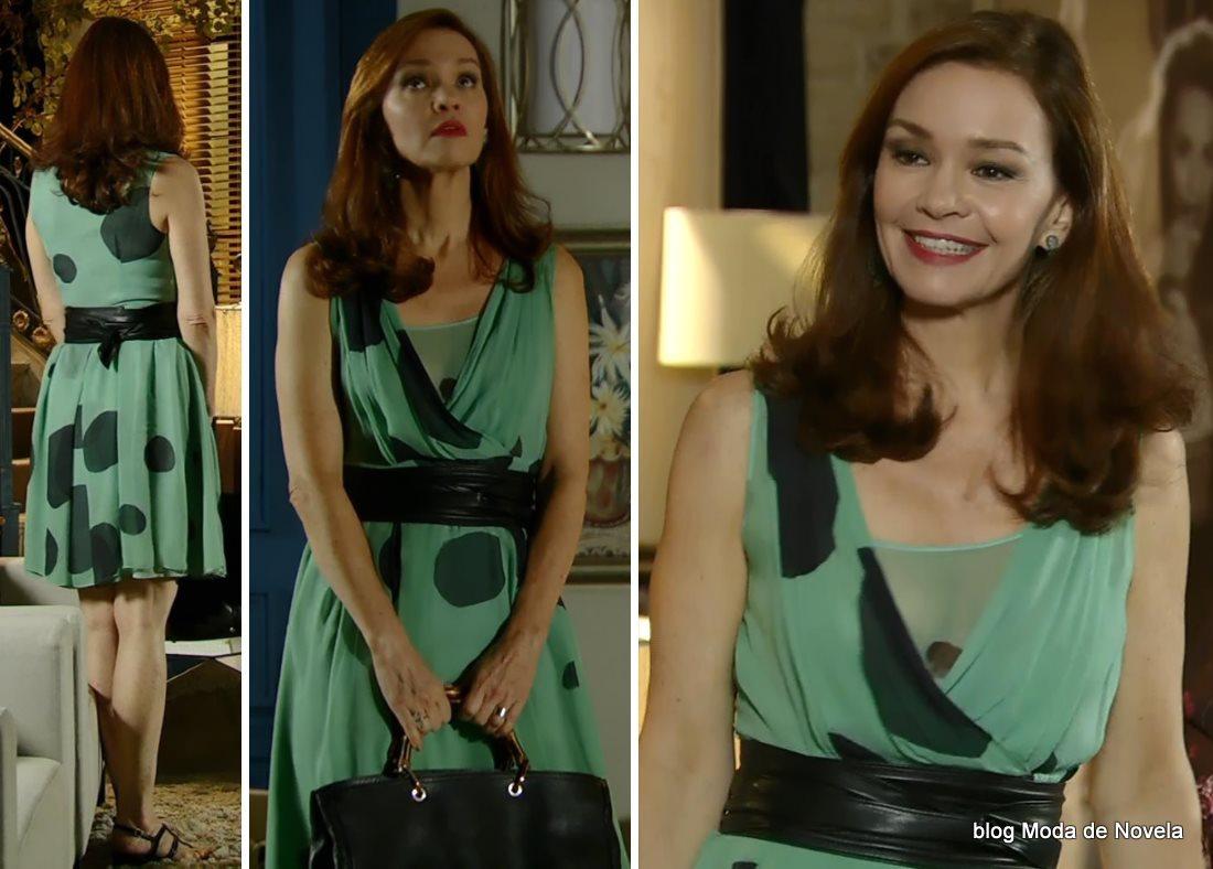 moda da novela Em Família - look da Helena dia 25 de junho