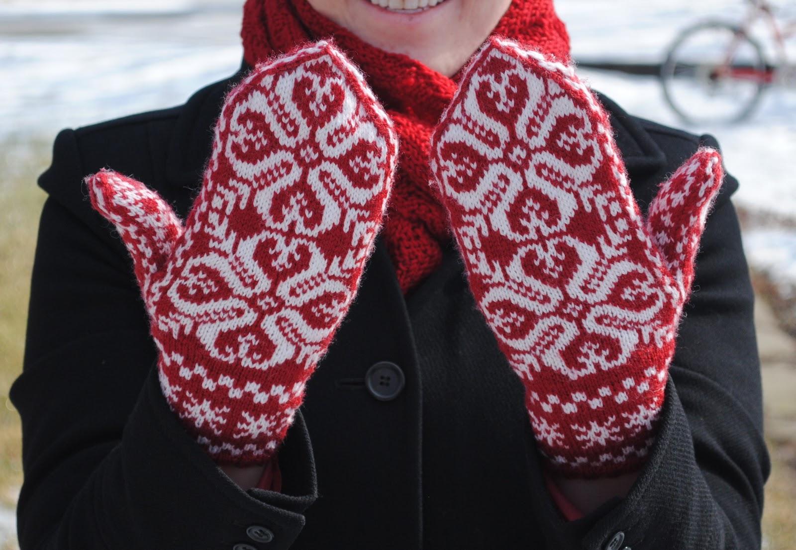 Knitting Pattern For Norwegian Mittens : Norwegian Mittens