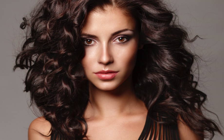 LATEST STYLES OF DARK BROWN HAIR FOR PRETTY WOMEN 3