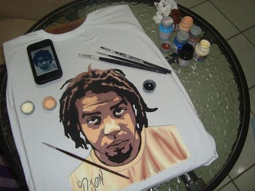 Camiseta personalizada com o rosto do cliente