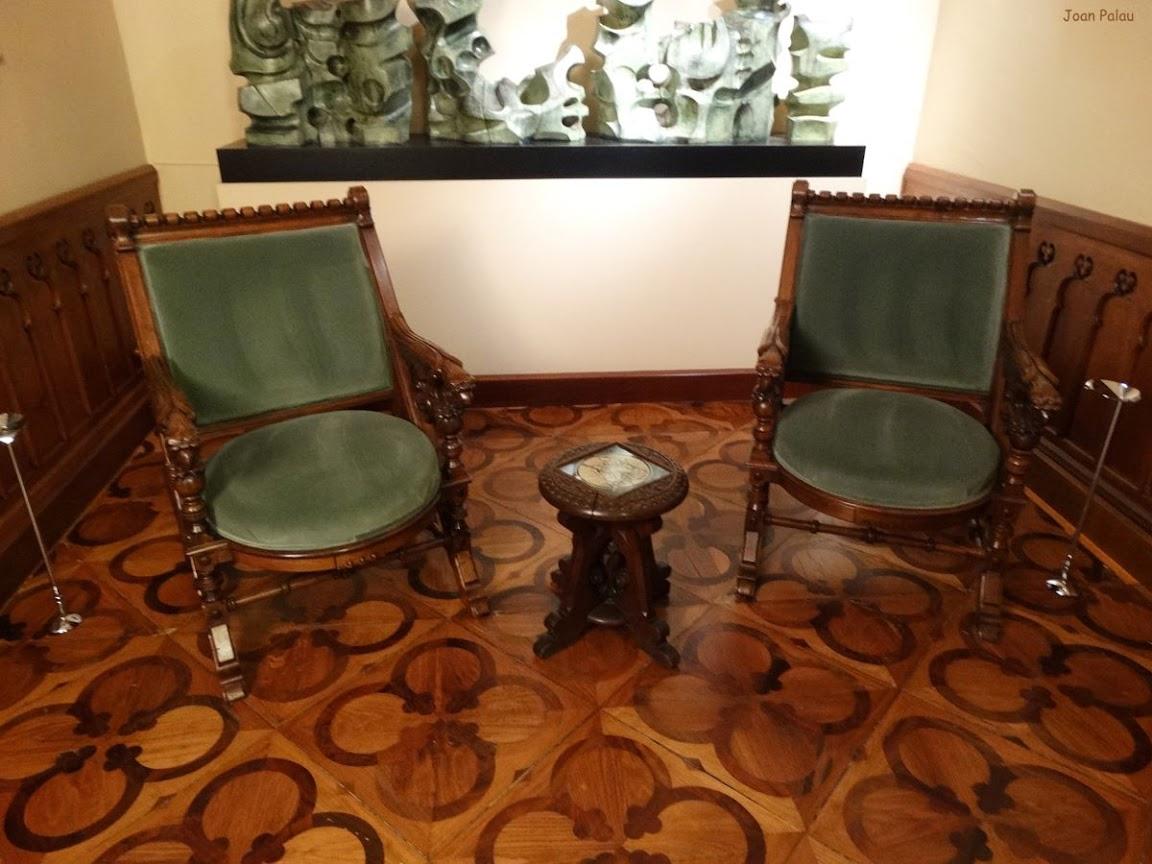 suelo de marquetera mobiliario y antiguo altar
