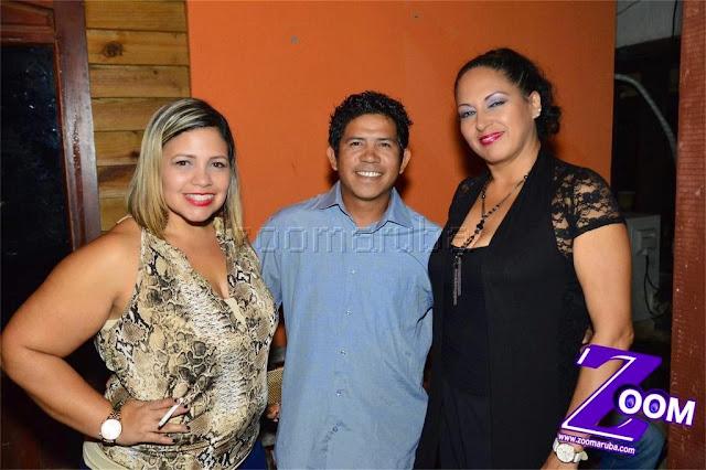 Latina 92.3fm Presenta 2do Festival de Karaoke @ Different Bar 4 April 2015 - Image_4.JPG