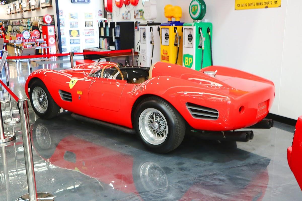 1969 Ferrari 250 Testarossa Replica (05).jpg