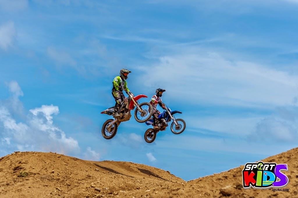 extreme motorcross Aruba - moto%2Bcross%2BGrape%2Bfiled%2BApril%2B2015-52.jpg