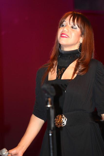 Aline Barros Ministrando Louvor - IMG_0658.jpg