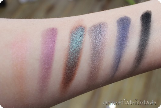 Urban Decay UD Nocturnal Shadow Box Lidschatten Palette Eyeshadow Make up Augen AMU Beauty Blog Review Test Erfahrung Bericht Baby Lounge Backfire Blackout Armor Fireball Half Baked Heroine Riff 46