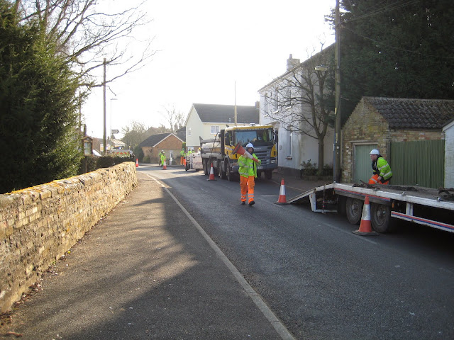 St Johns Close Resurfacing 23-03-2015. Pictures by Chris Cannon - IMG_1058.JPG