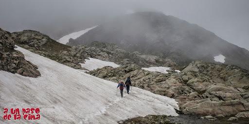 Los picos de Marcadau entre la bruma.