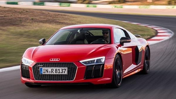 Supercar-Reborn-2017-Audi-R8-new-performance-V10-powerful-LMS-racecar-extreme-developed-motorsports-powerful-engine-lightweight-aerodynamic-design-5-2-liter-610-hp-impressive-track