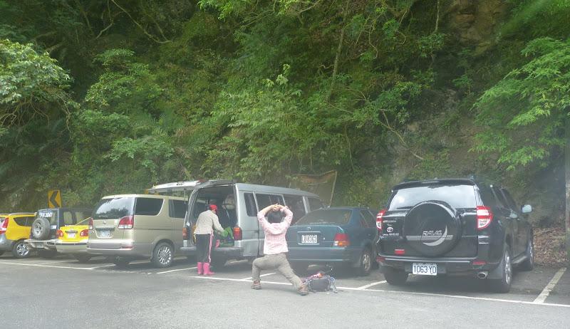 Assouplissements avant la randonnée