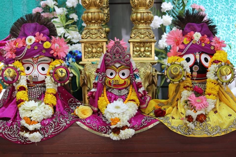 ISKCON Punjabi Bagh Deity Darshan 30 Mar 2016  (13)