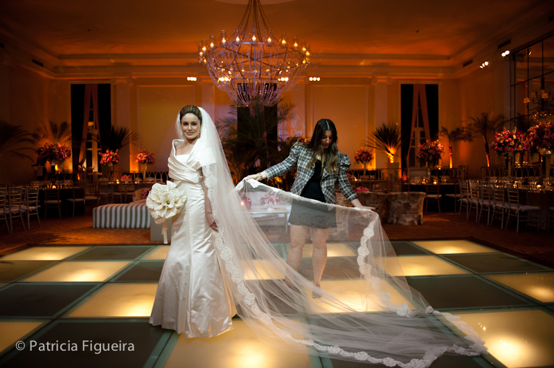 Foto de casamento 0548 de Sunny e Richard. Marcações: 18/06/2011, Carol Hungria Vestido, Casamento Sunny e Richard, Fotos de Vestido, Rio de Janeiro, Vestido, Vestido de Noiva.