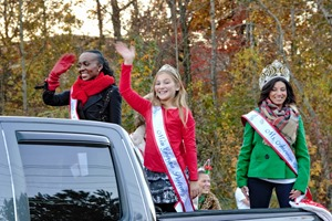 Holiday Glow in the Corners Parade - 2016