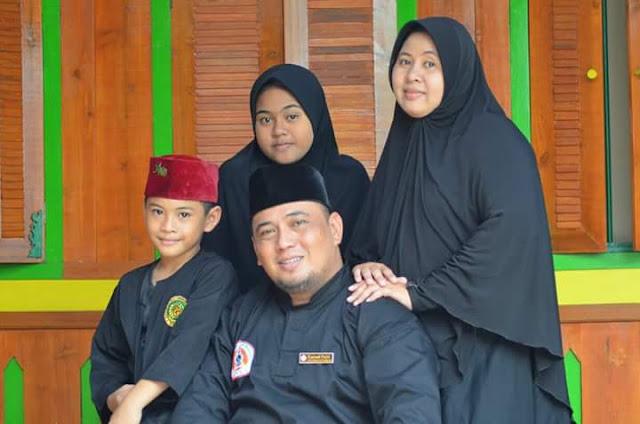 Rahmat Malik Beri ucapan Selamat Kepada Walikota dan Wakil walikota Bekasi