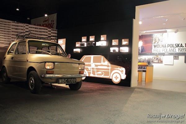 Mały Fiat 126p w Muzeum Emigracji w Gdyni