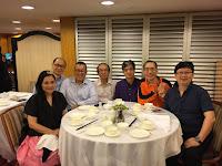 李錦英訪港,2015年11月21日和同學在尖沙嘴翠園餐聚, 吸引了好幾位稀客,包括意外出現的陳耀德夫婦!