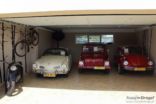 Kolekcja zabytkowych samochodów w Muzeum VW w Pępowie