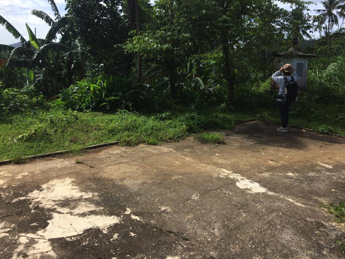 ヨランダで壊された慰霊碑跡?カンギポット麓